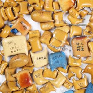 Конденсаторы К10-17;23 (Керамический корпус)